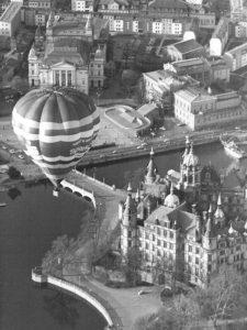 Heissluftballon, Schloss-Schwerin. Geschichte